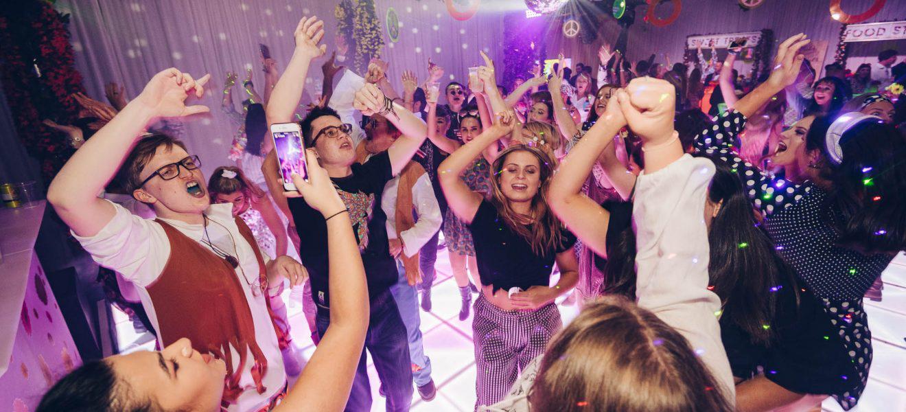 Festival Skrz prsty přinese nejzvrácenější studentskou party všech dob