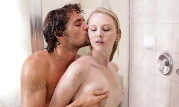 Erotické pomůcky pro sex ve sprše