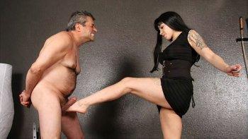 Vše o mučení genitálíí
