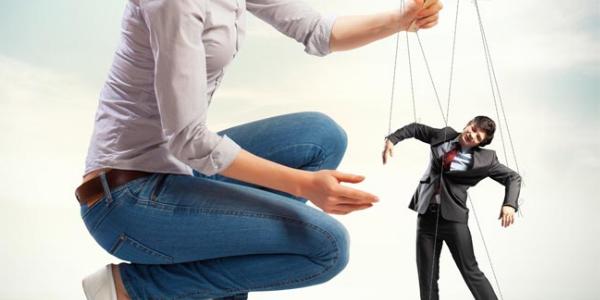 Příručka Nadsamce – Manipulace ve vztahu a jak ji poznat