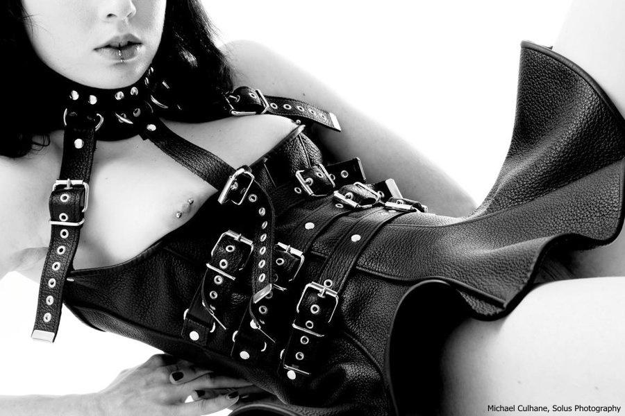 Leather fashion - vše o erotickém koženém oblečení