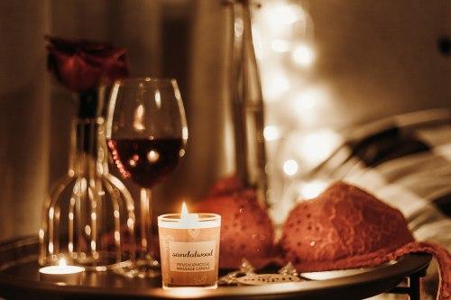 Afrodiziakální masážní svíčka MAGNETIFICO - Enjoy it! Blackcurrant and kiwi