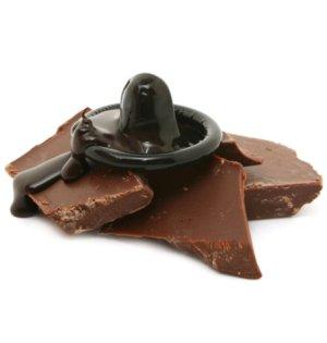 Kondom Secura - černý s čokoládovým aroma – Kondomy s příchutí na orální sex