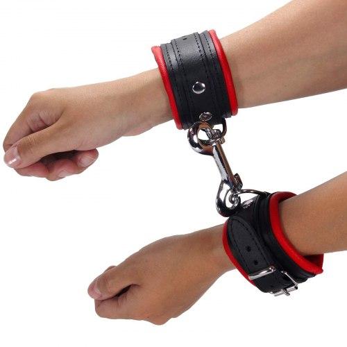 Kožená pouta na ruce, červená