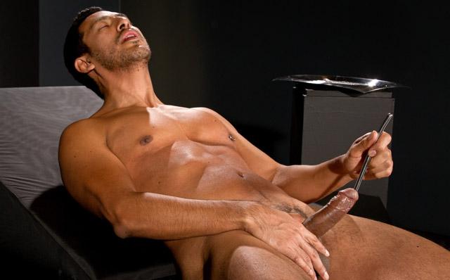 Muži většinou volí delší sondy, které dosáhnou až na prostatu.