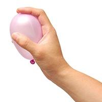 Vodní bomba pro naše účely nesmí být moc velká, když to přeženete s vodou, balonek praskne.