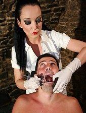 V roli zubařky se vás bude subík bát jen co vás uvidí