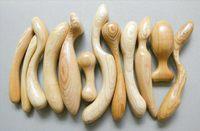 Dřevěné anální kolíky jsou k dostání i dnes, a to i přesto, že jejich používání přináší řadu nevýhod.