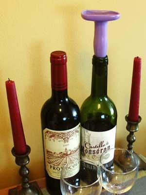 Víno zašpuntované análním kolíkem