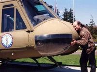 Edward Smith v dobách, kdy udržoval milostný poměr s vrtulníkem.