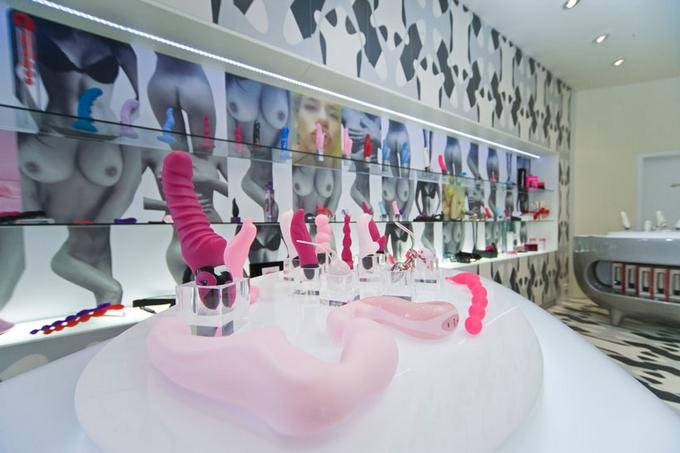Pohled do luxusní prodejny Fun Factory v Berlíně