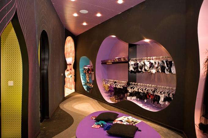 Oddělení lechtivého prádla v berlínské prodejně Fun Factory