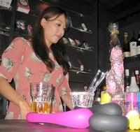 V nabídce japonského Vibe baru najdete více druhů vibrátorů, než alkoholu.