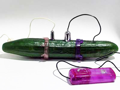 Oboustranný vibrátor ze salátové okurky