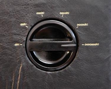 Na téhle kožené pračce nastavujete místo otáček intenzitu prožitku.