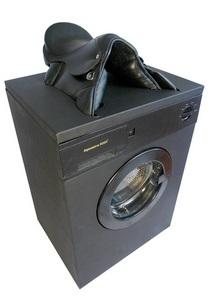 Orgasmatron 3000 - konečně pračka se kterou jsou domácí práce radost.
