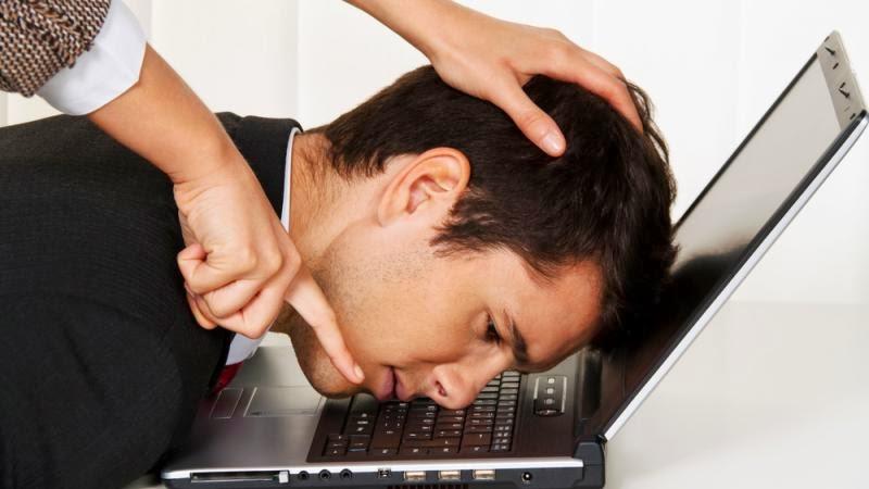 Konec musíš mít pod kontrolou, jinak může následovat bossing, vyhazov nebo vydírání.