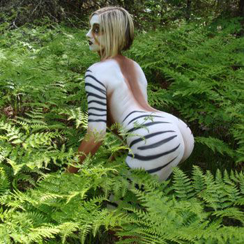 Bodypainting zebra