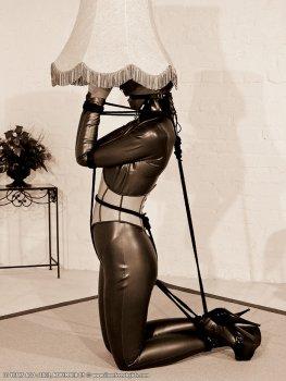 BDSM lidský nábytek